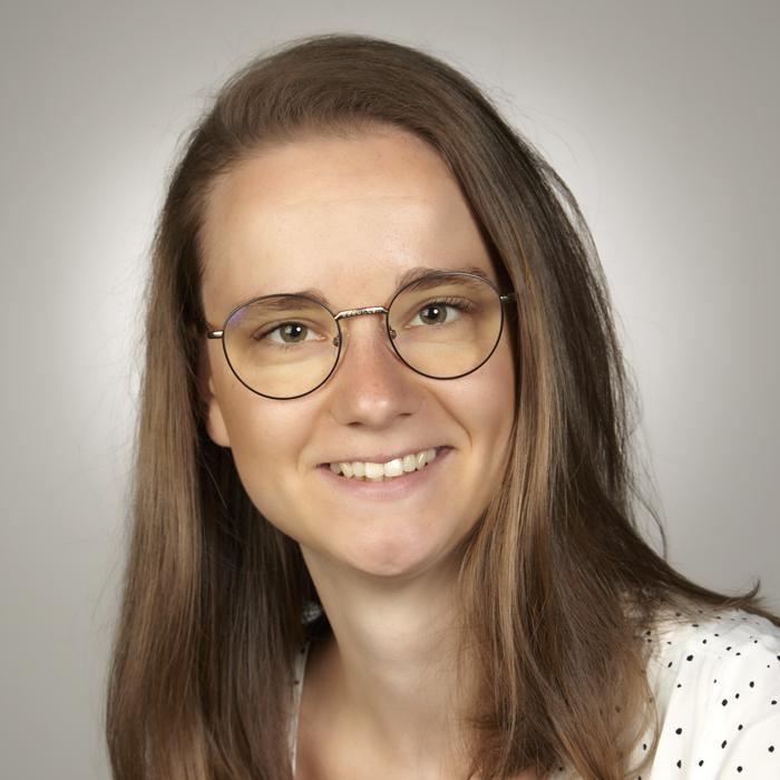 Magda Horváth, Nuorempi asiantuntija